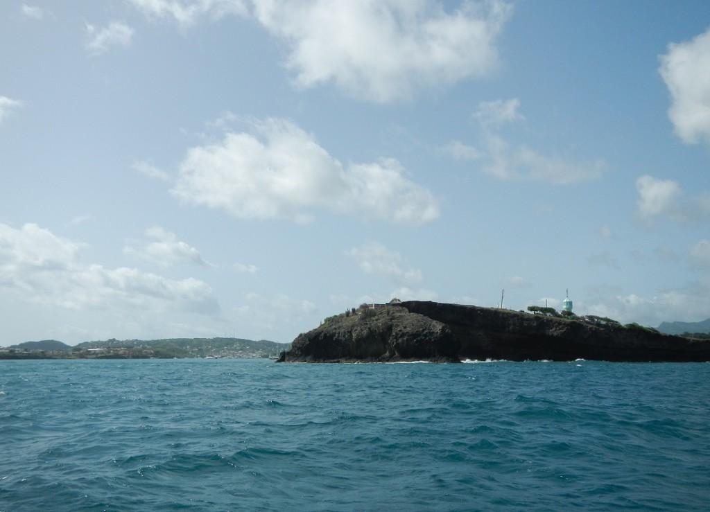 Een blik op Prickly Bay vanaf de oostkant