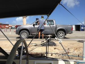 Uitklaren op de kade van Aruba.