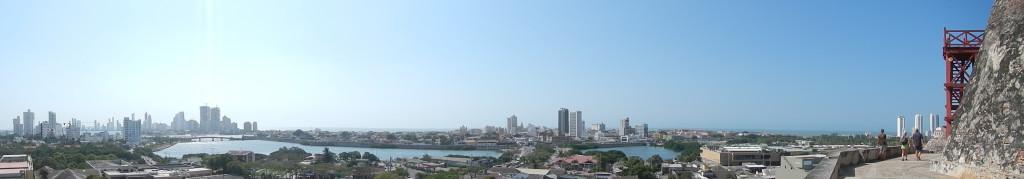 Uitzicht vanaf Castillo San Felippe op de ankerplaats & oude binnenstad