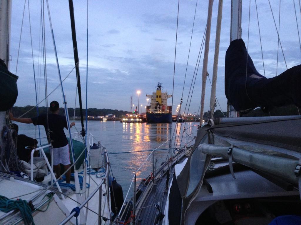 Vast gebonden aan de Zwitsere zeilboot Kyory