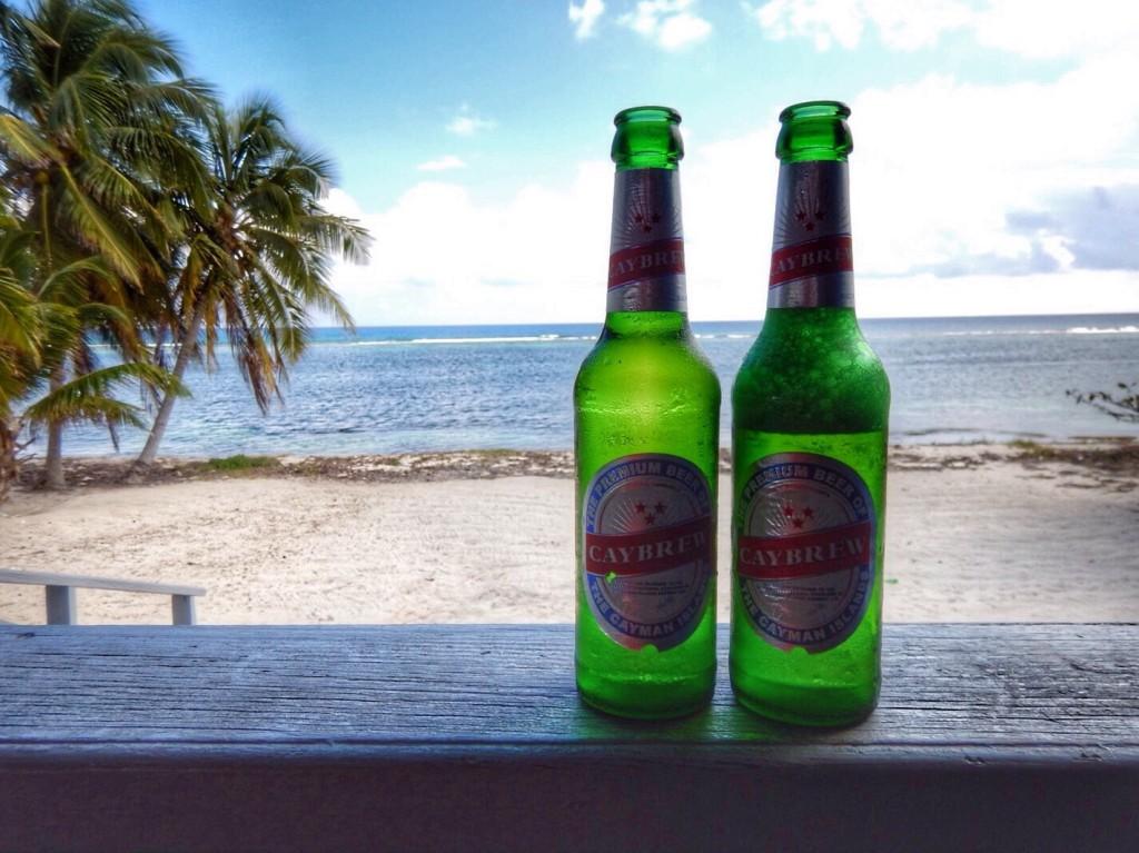 Cheers! Een welverdiend Cay Brew biertje