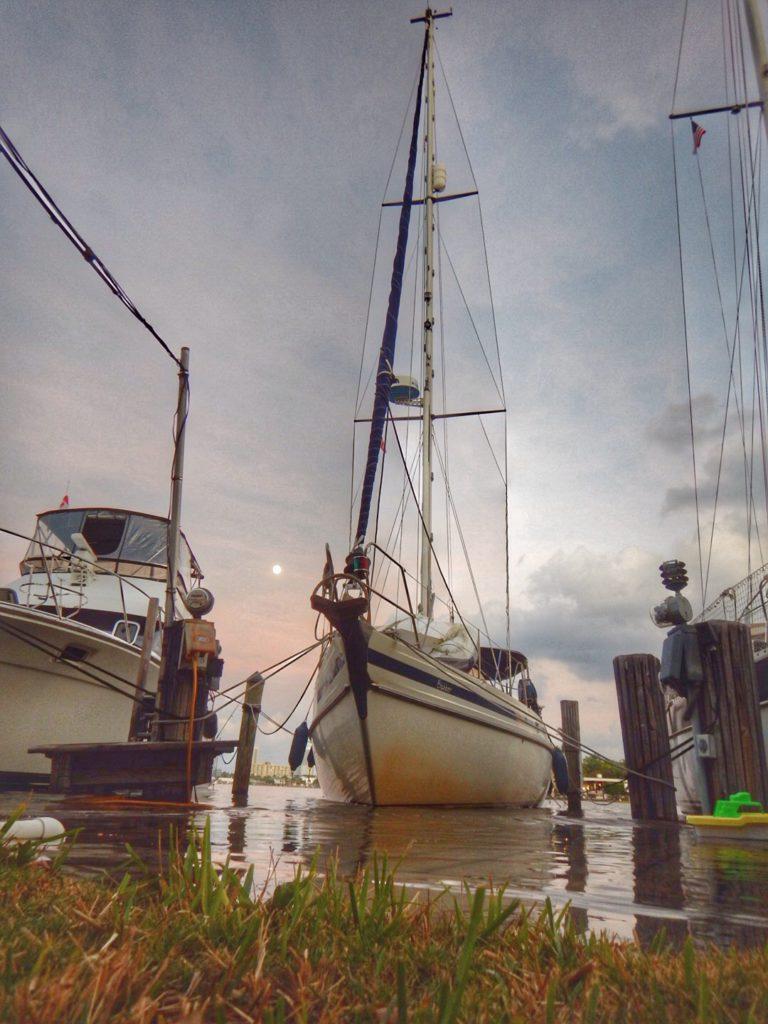 King Tides. Zelfs ons dock staat onder water!