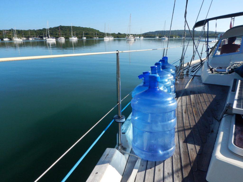 Voorbereiden deel 2: drinkwater aanvullen 'the Luperon-way'